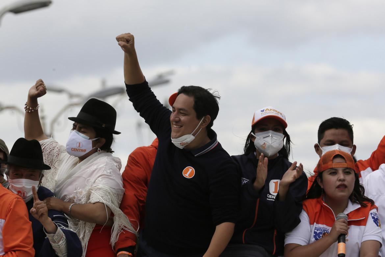 Andrés Arauz, candidato dell'UNES, potrebbe diventare il più giovane presidente nella storia dell'Ecuador
