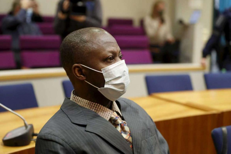 Gibril Massaquoi, 51 anni, durante il processo che si è aperto il 1 febbraio in Finlandia. Ora la corte si trasferisce per tre mesi in Liberia