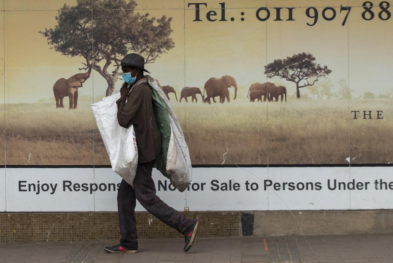 Per le strade di Alberton, vicino Johannesburg