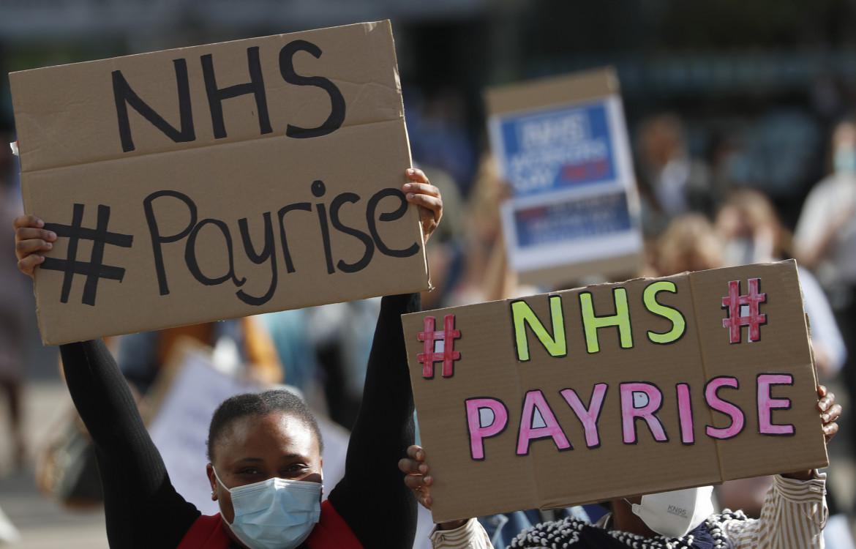 Londra, protesta degli infermieri