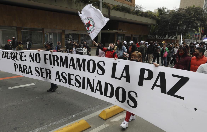 Manifestazione contro gli omicidi degli ex leader delle Farc