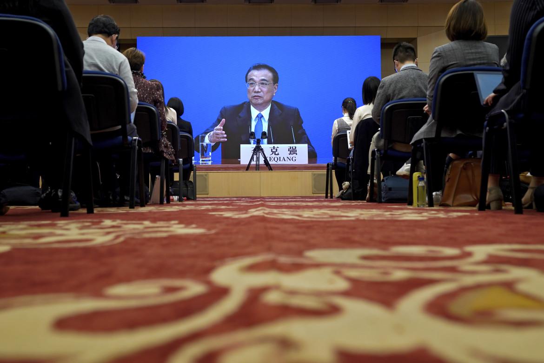 Il premier cinese Li Keqiang durante il suo discorso all'Assemblea nazionale
