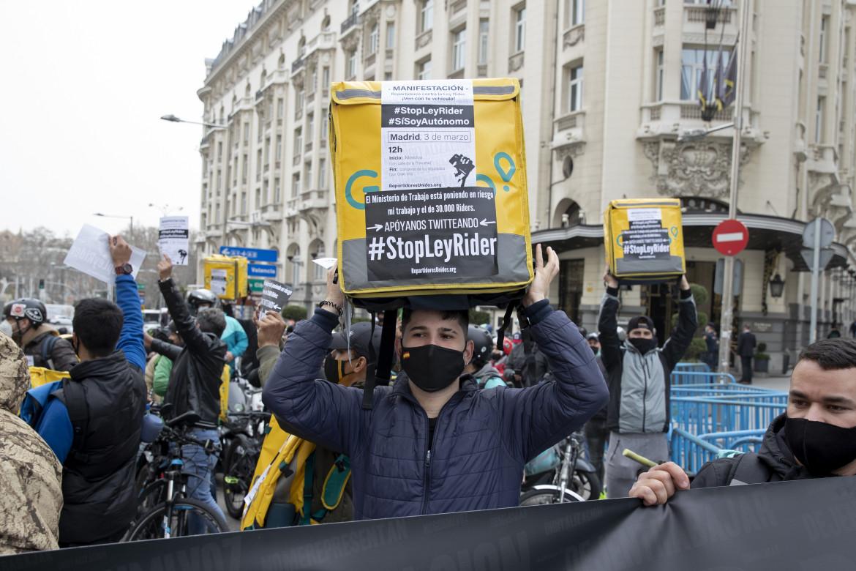 Riders manifestano in Spagna