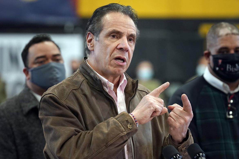 Il governatore di New York Andrew Cuomo durante una conferenza stampa sull'emergenza coronavirus