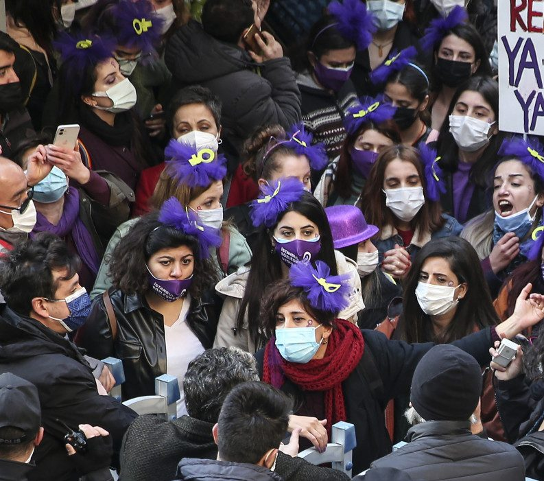 8 marzo di protesta per le donne turche di Istanbul