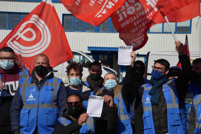 Lo sciopero Amazon a Calenzano (Prato)