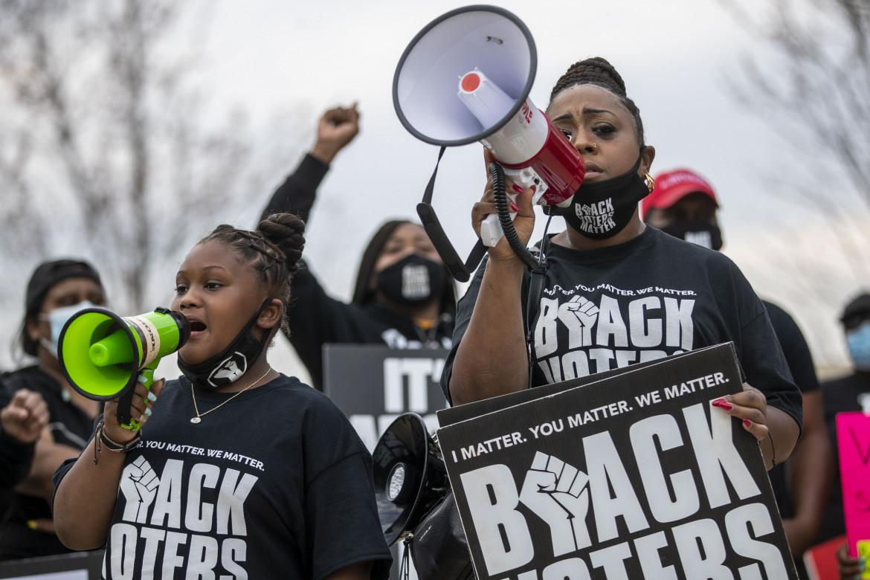 Atlanta, protesta contro le leggi SB 241 and HB 531 che alterano le regole del processo elettorale in Georgia