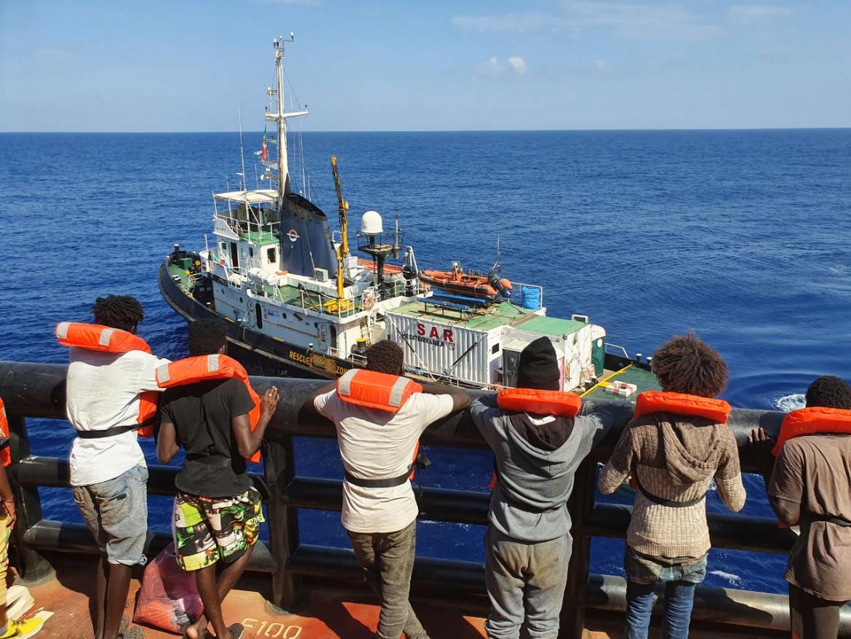 Le persone soccorse dalla Mare Jonio