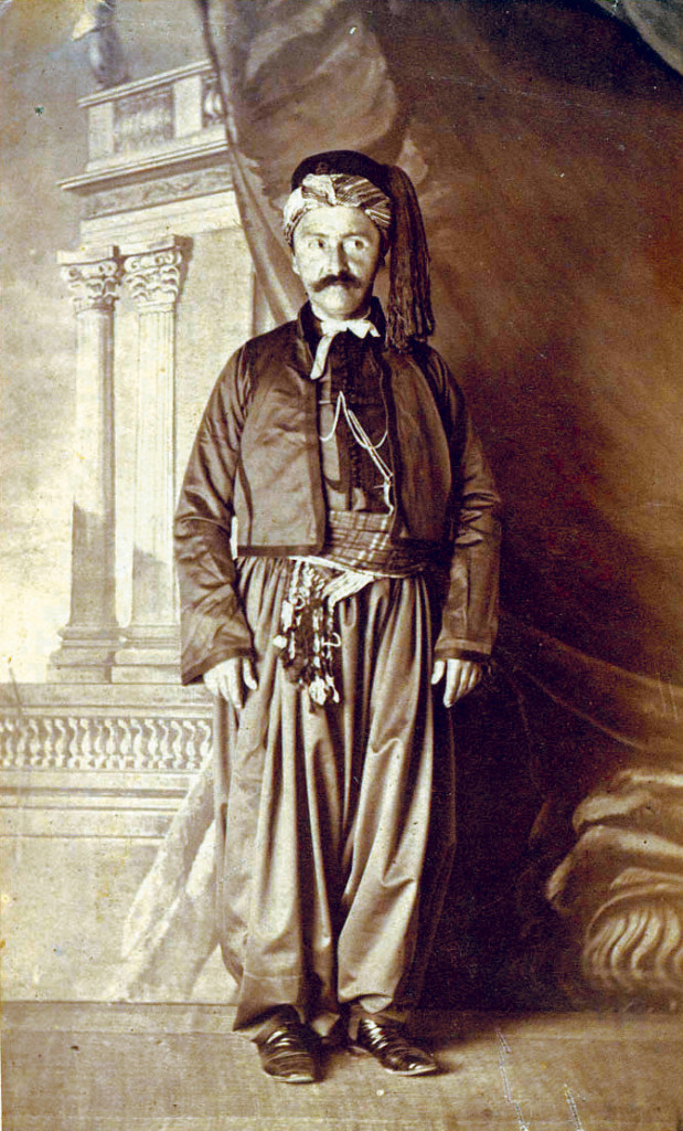 Heinrich Schliemann vestito alla turca al ritorno dalla Mecca, Schliemann Archive, Photos Series J Box I.