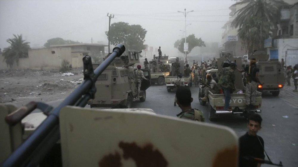 dicembre 2019, i separatisti legati agli Emirati verso il palazzo presidenziale di Aden