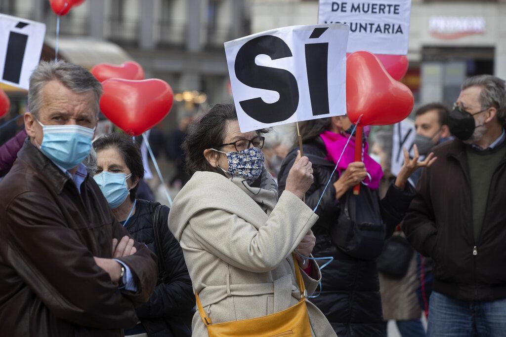 Manifestanti per il diritto alla scelta a Madrid