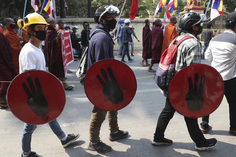 La protesta non si ferma nelle strade del Myanmar