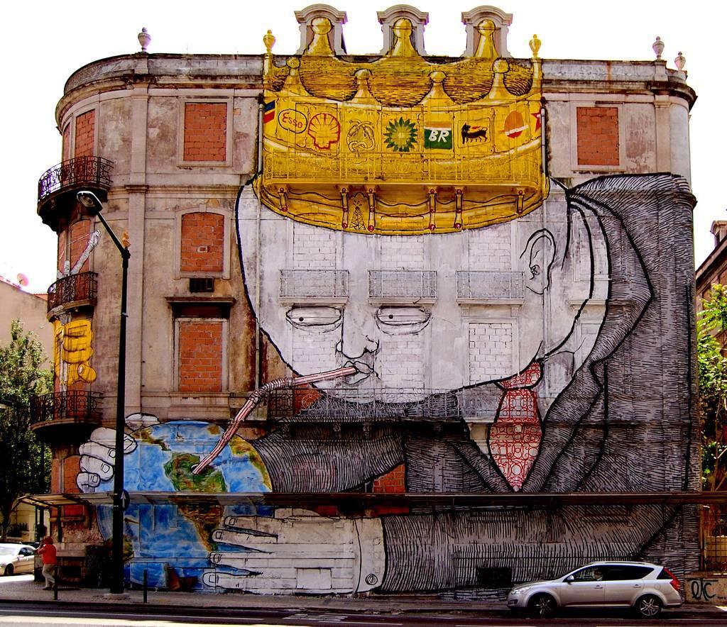 Murale di Blu a Lisbona
