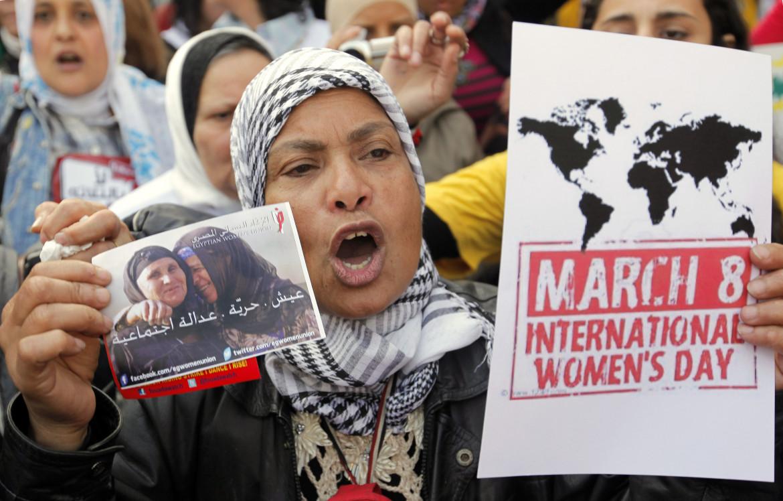 Una protesta delle donne egiziane per l'8 marzo