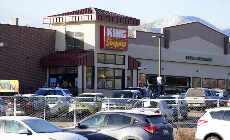 Boulder, Colorado. Il supermercato in cui Ahmad Al Aliwi Alissa, 21 anni, ha aperto il fuoco