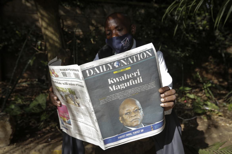 La morte di Magufuli letta sui giornali tanzaniani di ieri