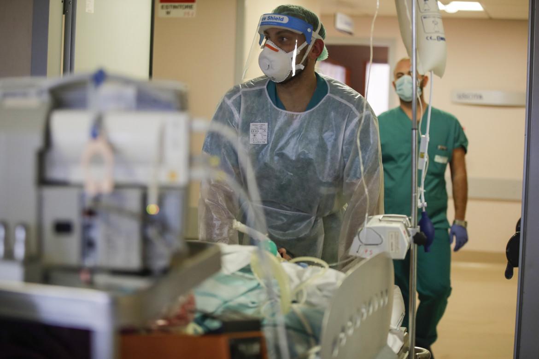 Terapia intensiva in un ospedale di Varese