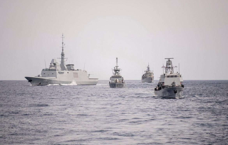 Le manovre navali Noble Dina