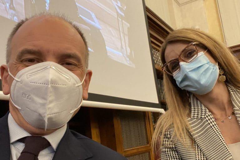 Enrico Letta con la nuova capogruppo del Pd in Senato Simona Malpezzi