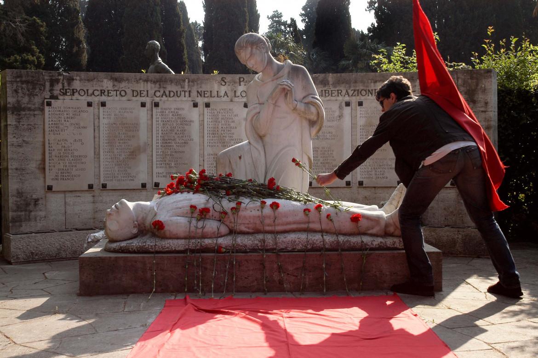 Omaggio al Monumento dei Caduti di Roma