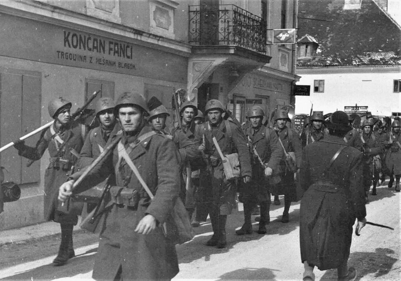 Battaglione delle camicie nere entra in Jugoslavia nei primi giorni dell'invasione