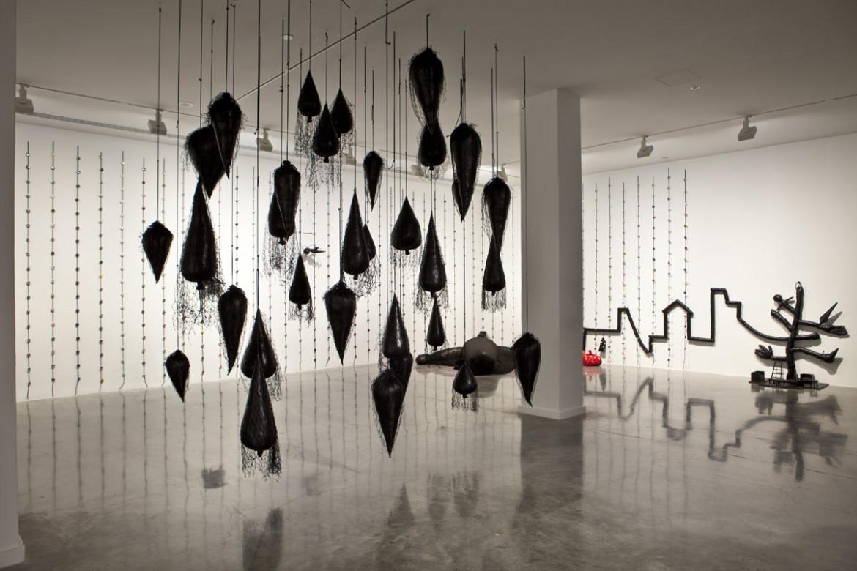 Annette Messager, «Et range ta chambre», 2009