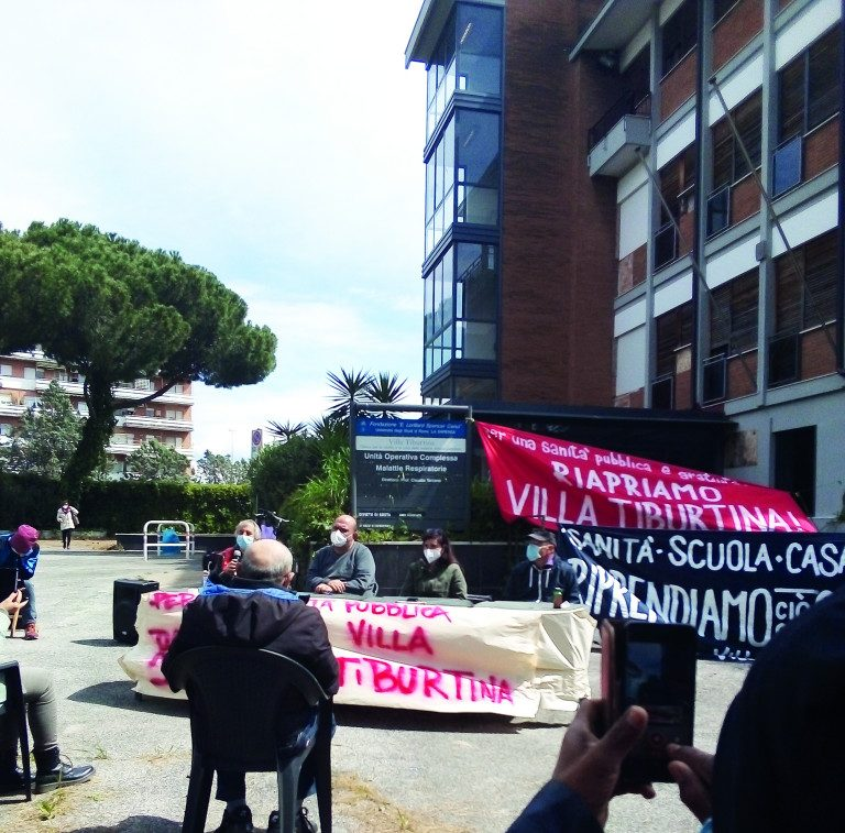 Roma, l'occupazione di Villa Tiburtina