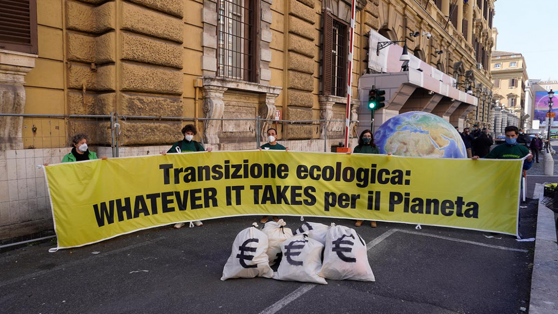 Pnrr, Greenpeace al governo Draghi: 'Whatever it takes per il Pianeta'