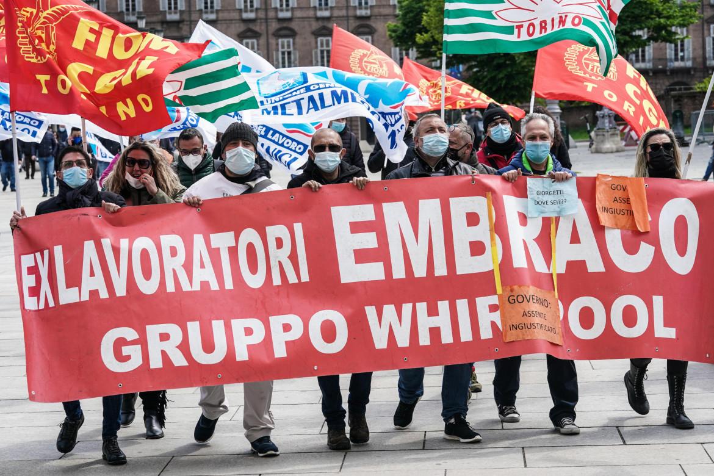 Una manifestazione dei lavoratori ex Embraco