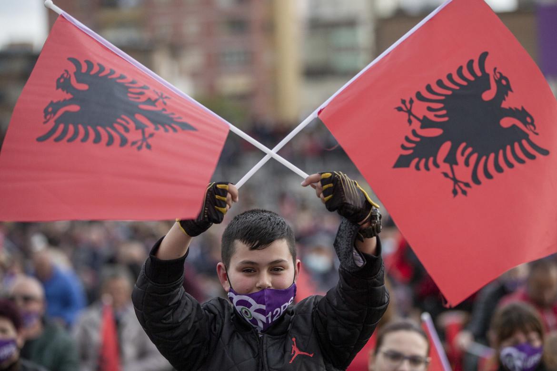 Tirana, al comizio di Edi Rama che ha chiuso la campagna elettorale del Partito socialista