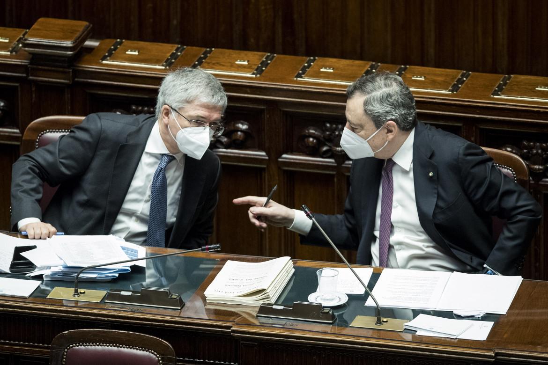Il premier Draghi con il ministro dell'Economia Franco