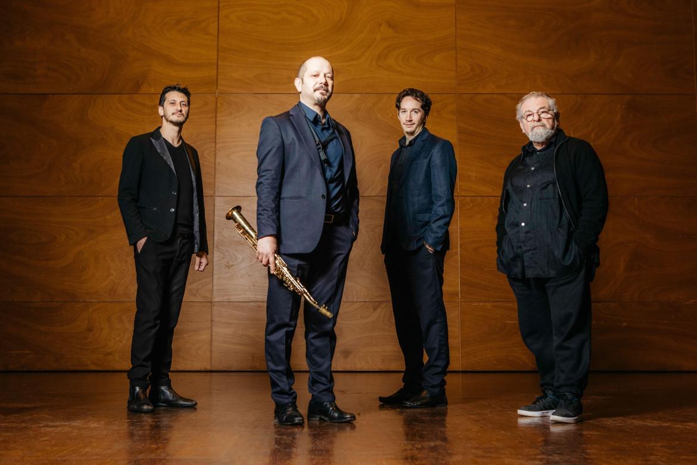 Stefano Di Battista con i musicisti del disco: il pianista Fred Nardini, il contrabbassista Daniele Sorrentino e il batterista André Ceccarelli.