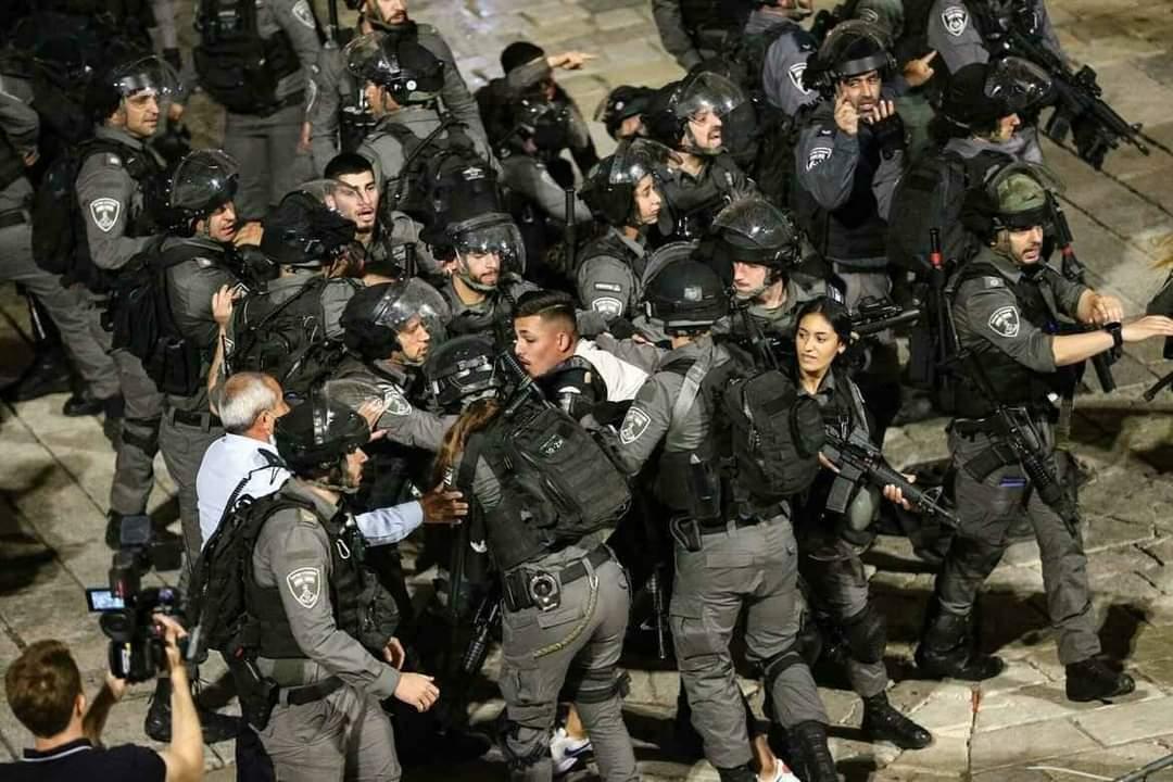 Gerusalemme, l'arresto di un palestinese alla Porta di Damasco