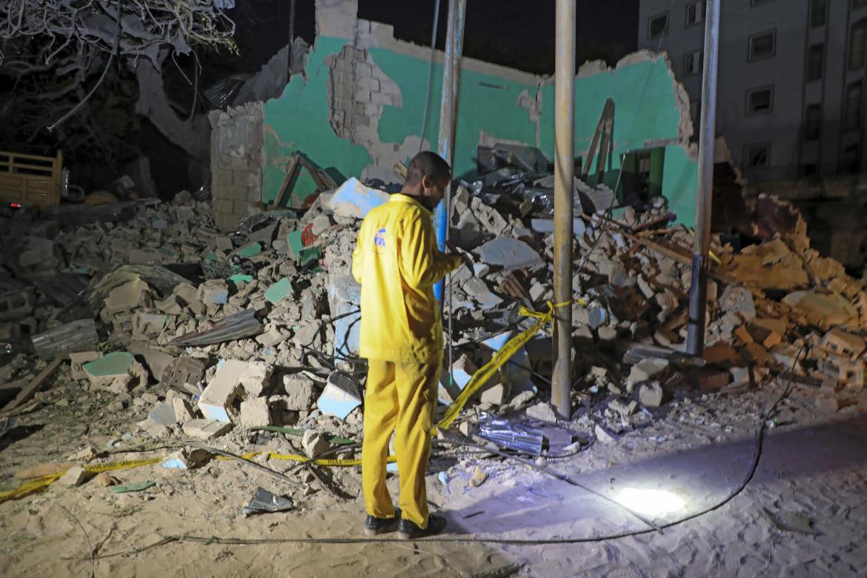 Mogadiscio, sul luogo di uno degli ultimi attentati compiuti da Al-Shabaab