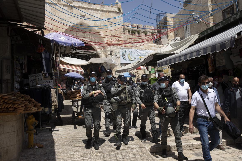 Gerusalemme. Poliziotti israeliani nella città vecchia.