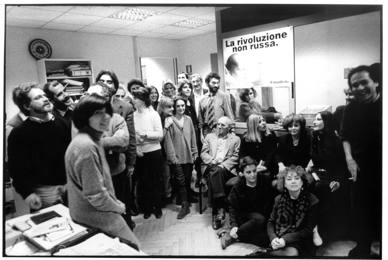 manifesto, foto di gruppo  1997 con Luigi Pintor