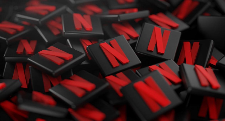 Logo Netflix; Una scena da Porsuite di Marina Deak