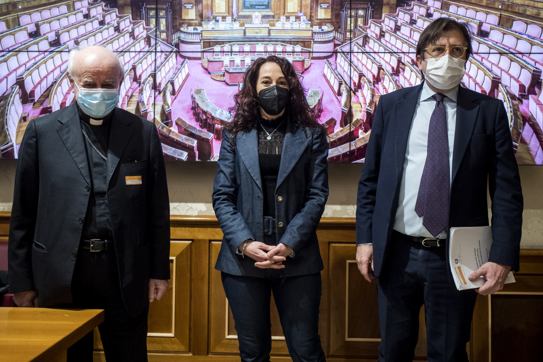 Marzo 2021, Paola Taverna presenta l'intergruppo parlamentare