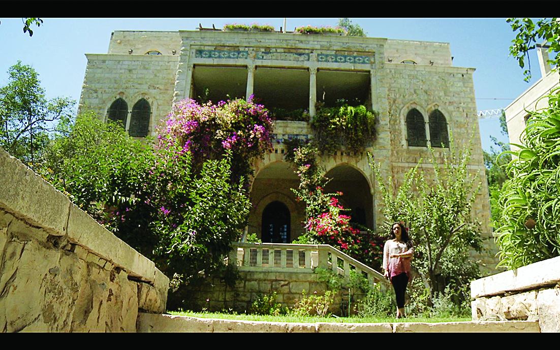 Valery Bisharat davanti a villa Harun ar Rashid