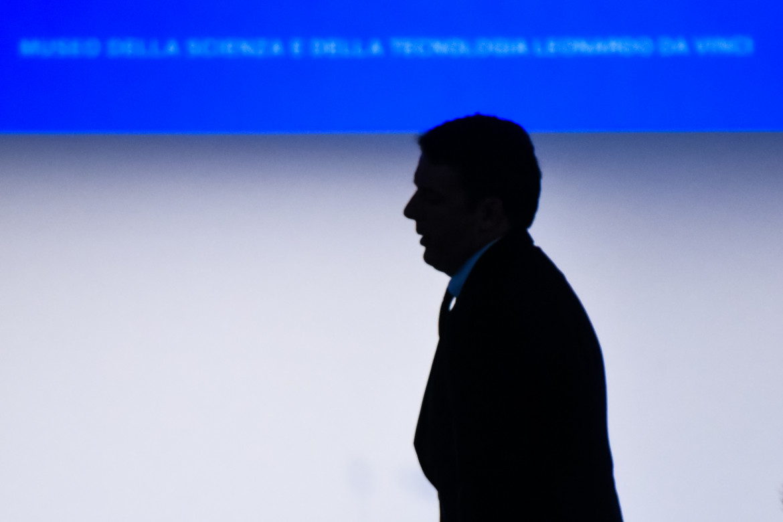 Profilo di Matteo Renzi in ombra