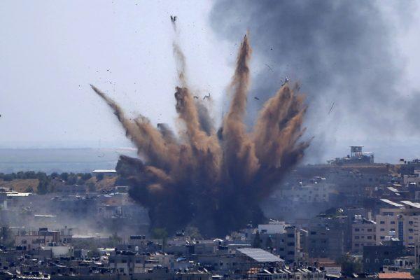 15desk1gaza-airstrike-ap