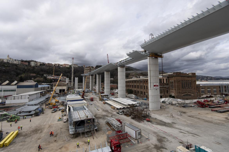 Il cantiere del nuovo ponte Morandi