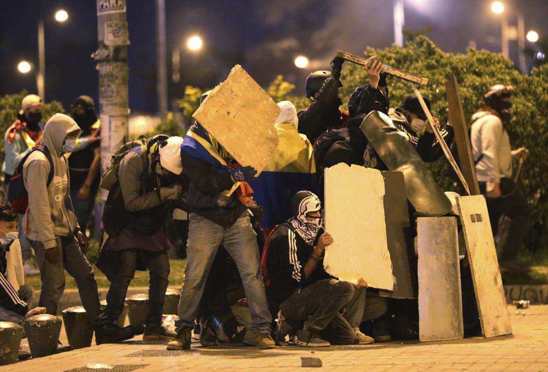 Bogotà, un mese dall'inizio della rivolta anti-governativa