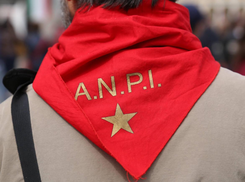 Il labaro dell'associazione nazionale partigiani