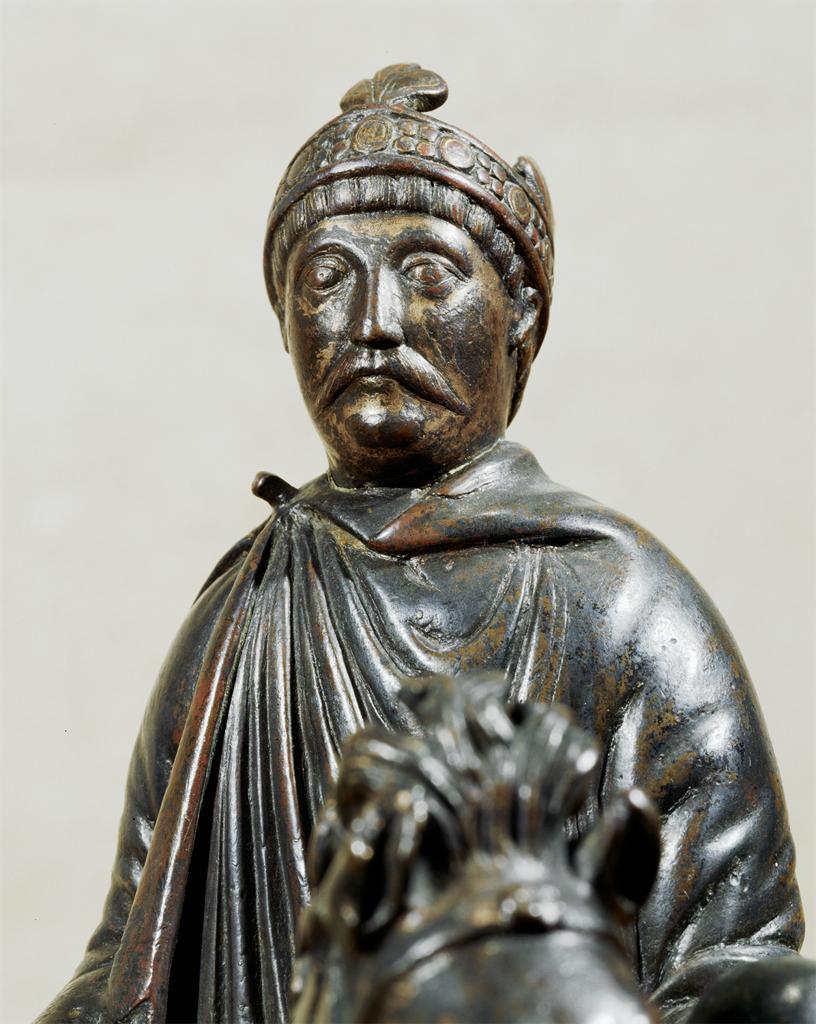 Statuetta equestre  raffigurante Carlo Magno (secondo l'attribuzione  di Donald Bullough), IX secolo, Parigi, Louvre