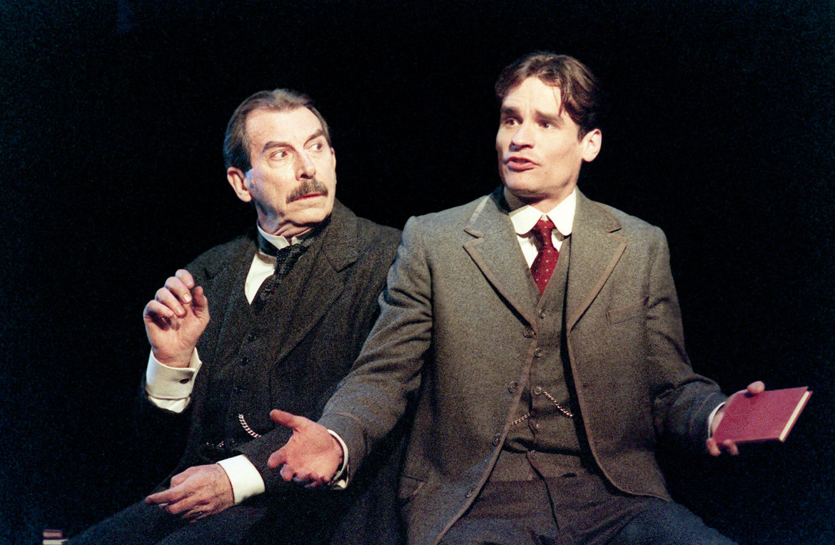 Richard Easton (a sin.)  e Robert Sean Leonard  in The Invention of Love di Stoppard, Ney York, Lyceum Theater, 2001