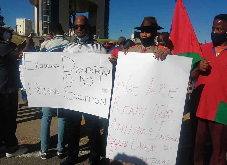 La protesta immediata e spontanea delle opposizioni namibiane ieri nelle strade della capitale Windhoek