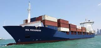 La nave Asiatic Liberty della israeliana Zim che vorrebbe caricare armi nel porto di Ravenna
