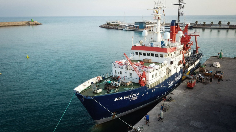 La Sea-Watch 4 in porto