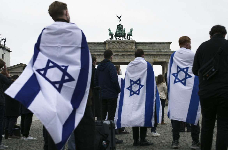 Berlino, manifestanti pro Israele
